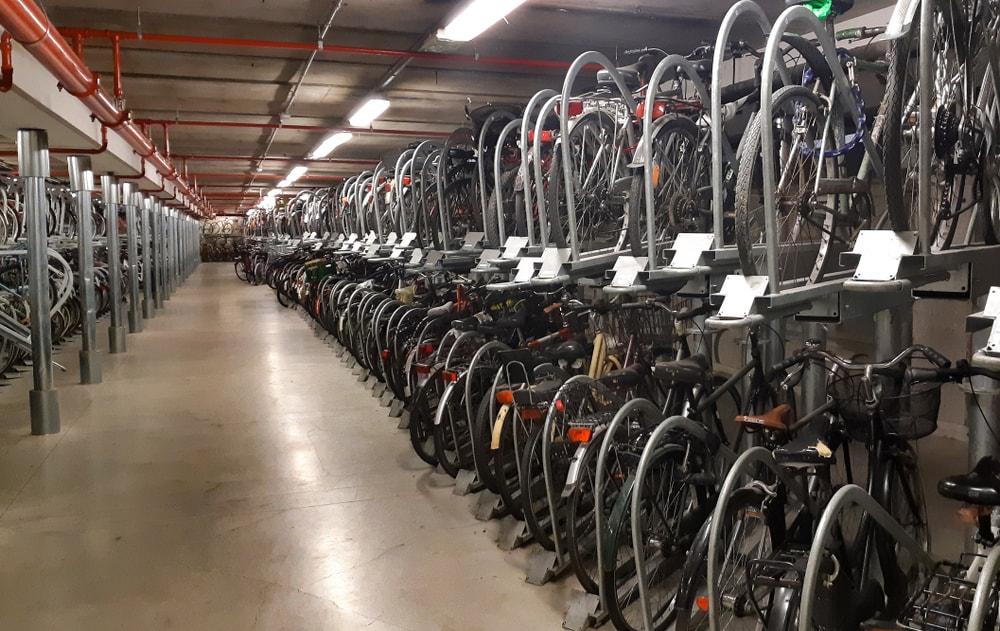 חניית אופניים אמסטרדם